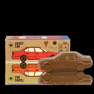 Солодке авто з молочного шоколаду
