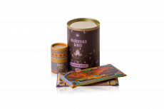 Gift set with cocoa beans