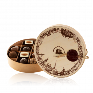 Набір цукерок в дерев'яній коробці